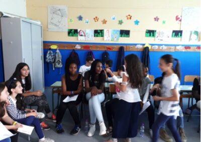 Giugno 2018- I ragazzi del CARA di Mineo in visita alla nostra Scuola per provare insieme i canti della giornata mondiale del rifugiato2